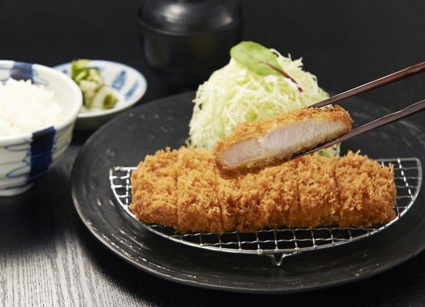 Tonkatsu – costeleta de porco ao molho agridoce
